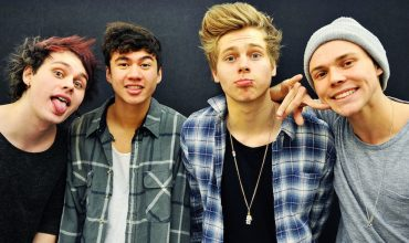 "5 Seconds of Summer: online il video di ""She's Kinda Hot"", oltre un milione di click!"