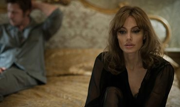 Il teaser trailer italiano di By The Sea, il nuovo film di Angelina Jolie