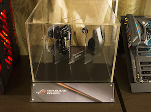 Exploded-display-of-Spatha-gaming-mouse