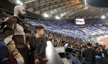 God of War: al derby Lazio-Roma avvistati Kratos e Atreus